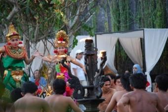 バリ島ダンス