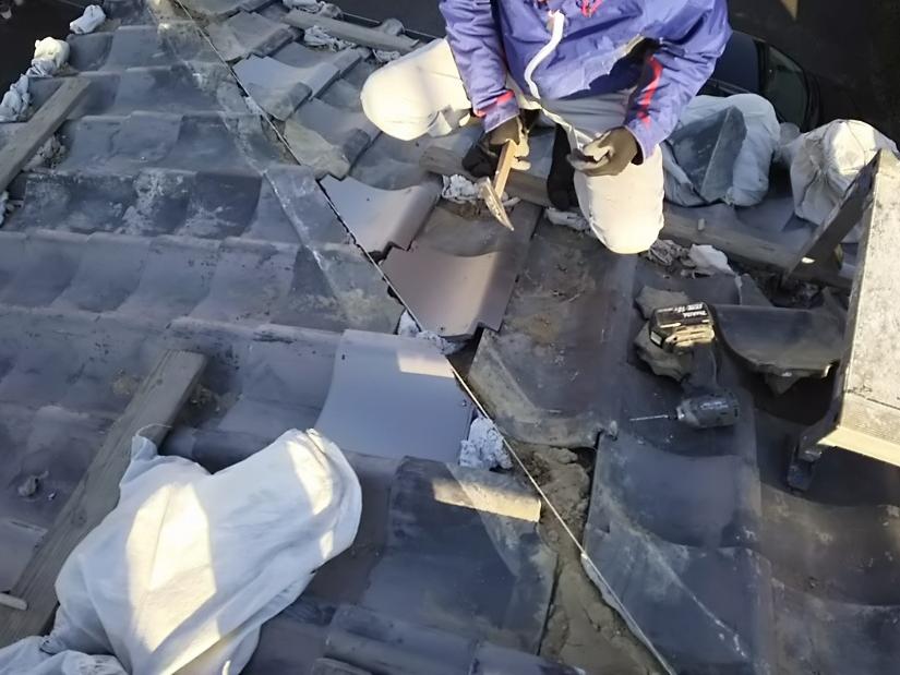 瓦屋根の修理工事 おいあて調整中