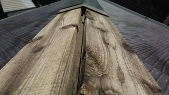 台風で外れた棟の板金