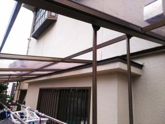 ベランダポリカ屋根一部破損