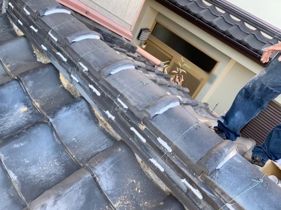 ラバーロック工法で修理した棟瓦