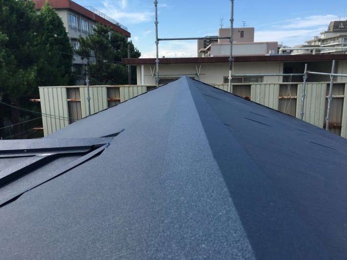 豊中市 葺き替えリフォーム後の金属屋根