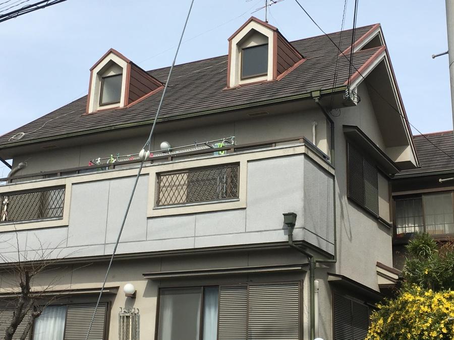 高槻市カラーベスト屋根の三階建現場全貌