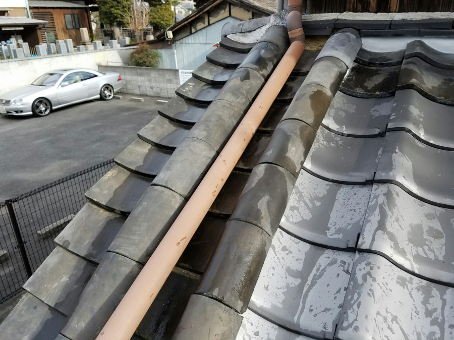 差掛け屋根の瓦一部葺き替え工事の完了