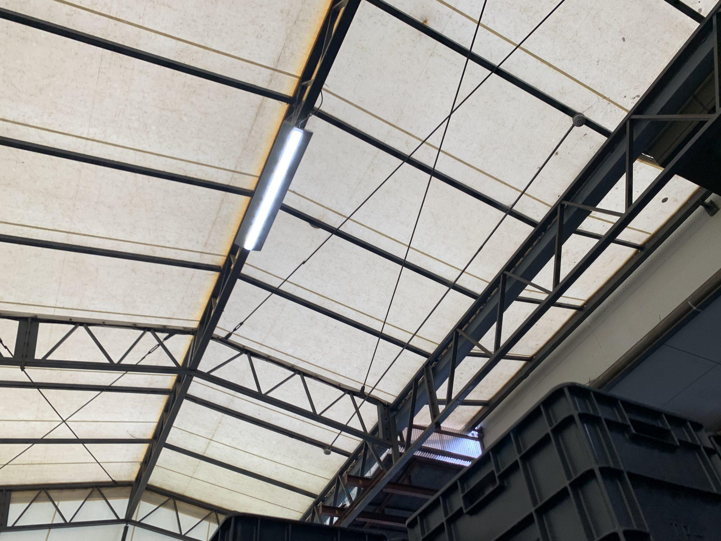 テント屋根の内部