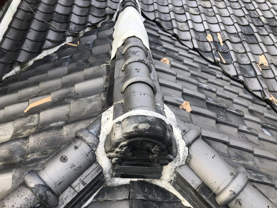 養生している屋根の棟