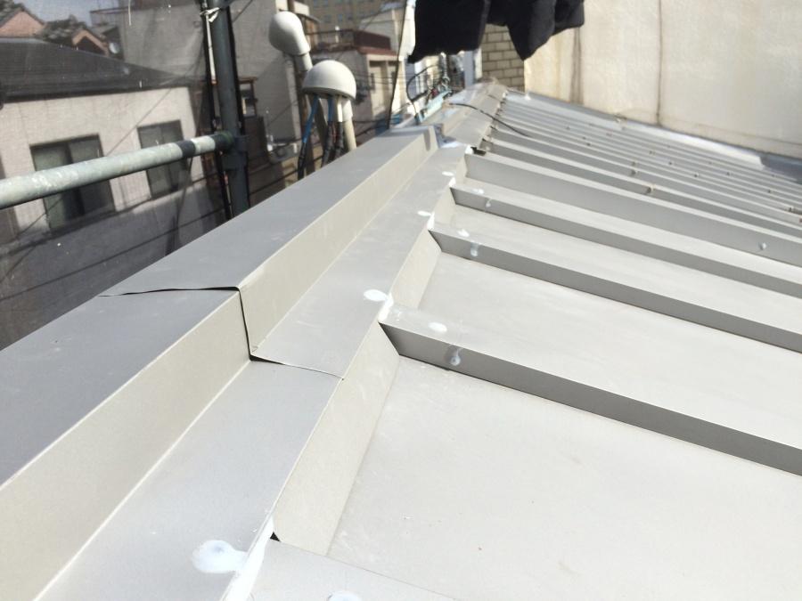 瓦棒屋根カバー工法完成