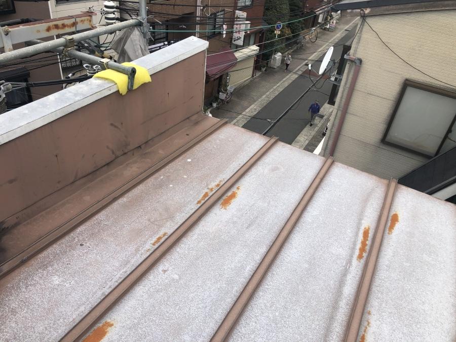 リフォーム前の傷んだトタン屋根