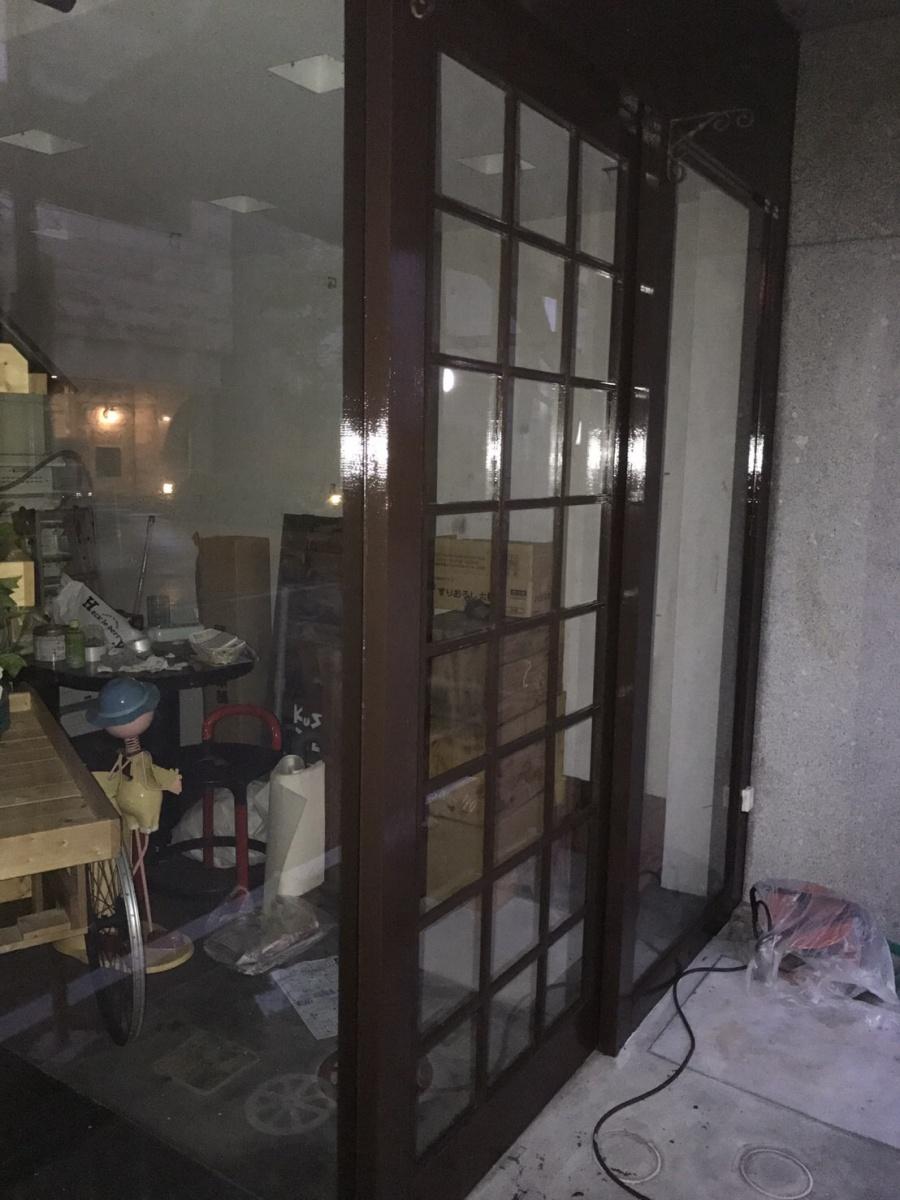 木部扉枠塗装完成