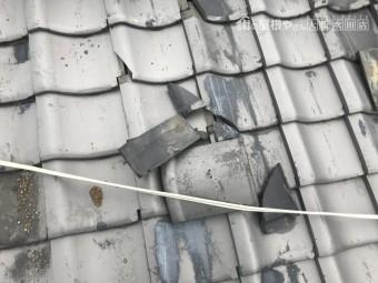 台風による屋根瓦の剥がれ