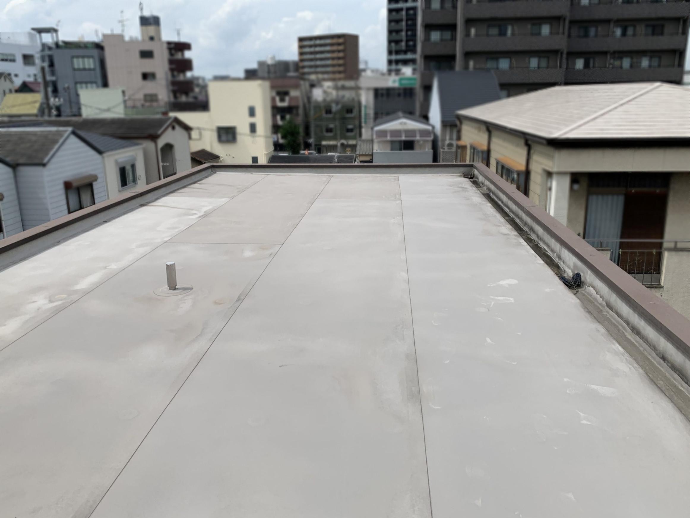 雨漏り箇所真上にあたる屋上屋根