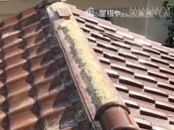台風の強風で崩壊した大棟