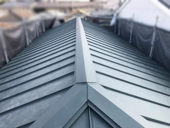 葺き替え後のガルバリウム鋼板屋根