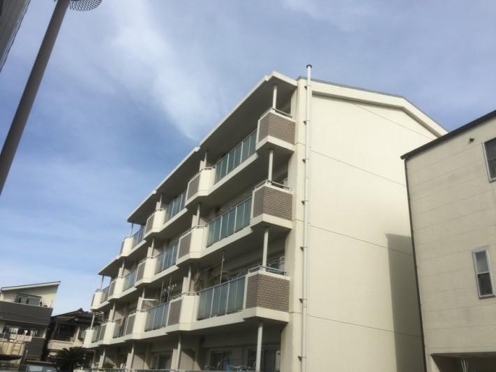 4階建てマンション外観