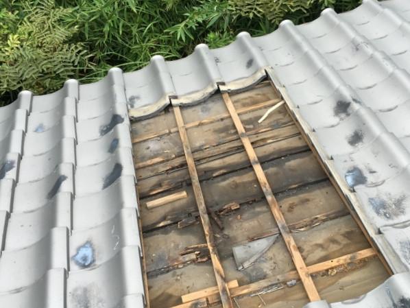 雨漏り原因となっていた朽ちた屋根下地