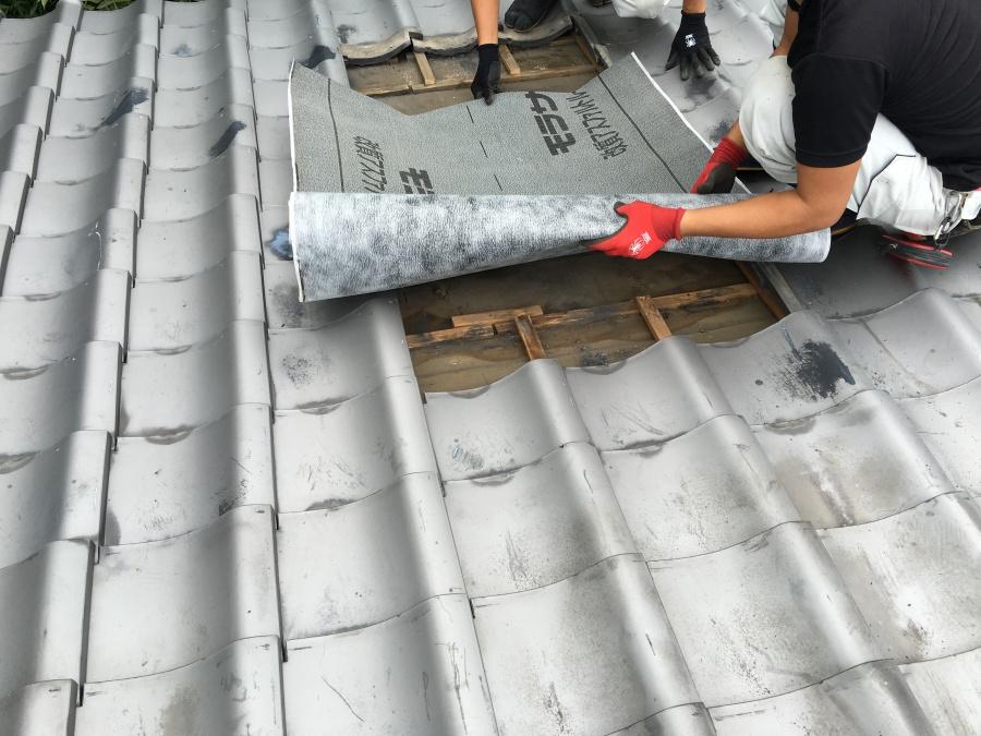 瓦の下に敷く防水シート