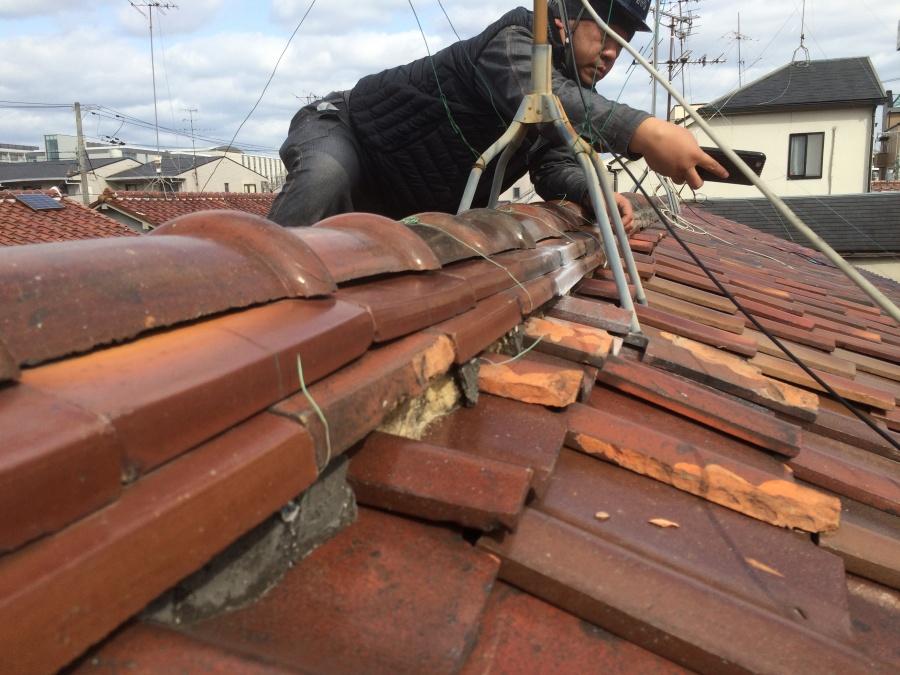 瓦屋根の現場調査メンテナンス