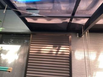 ポリカ製の屋根のカーポート