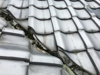 瓦屋根漆喰剥がれ割れ