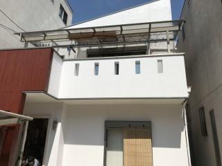 外壁塗装後の建物外観