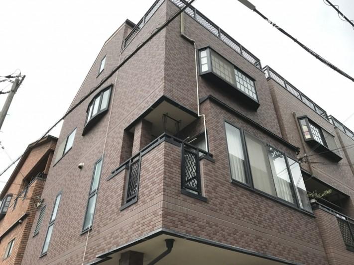 屋上防水工事現場建物全貌