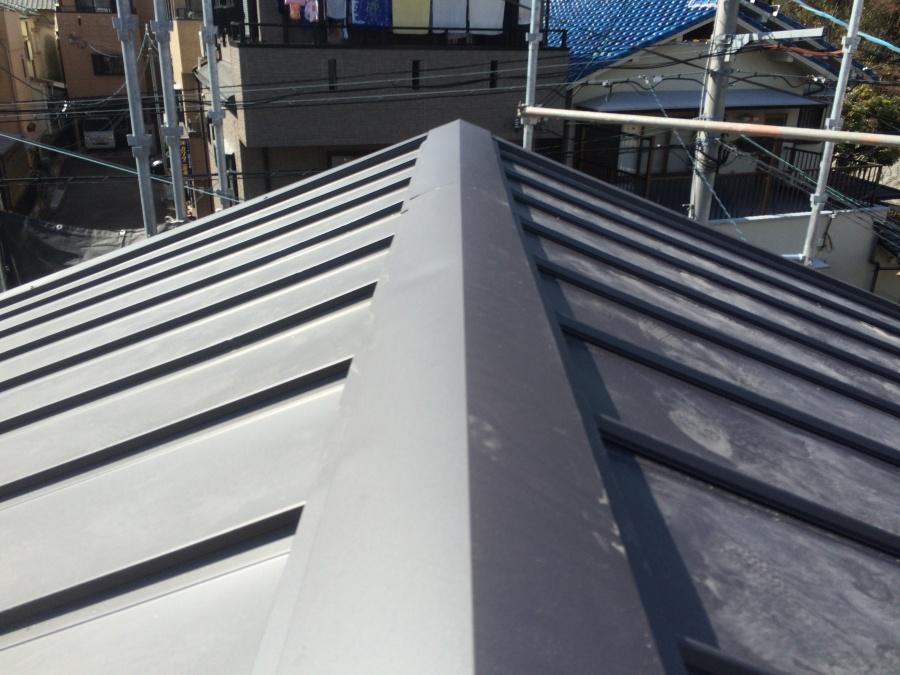 屋根葺き替え工事 立平葺き完成