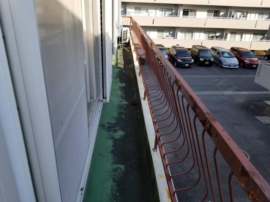 茨木市 2階バルコニーをウレタン防水工事を通気緩衝工法で施工。