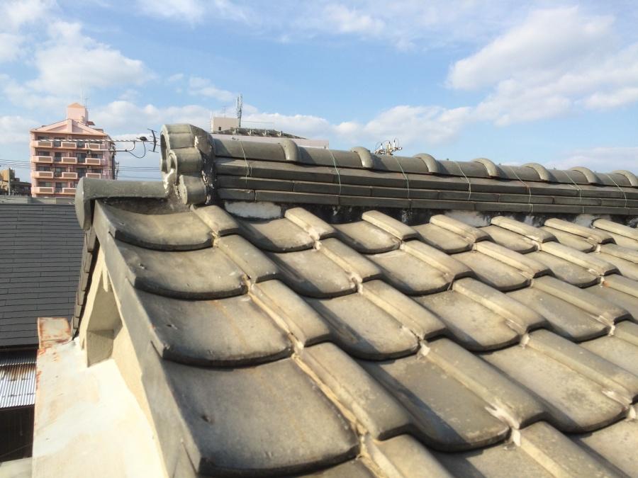 屋根葺き替え工事が必要な瓦屋根