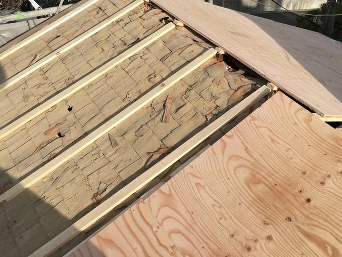 胴縁に構造用合板を固定