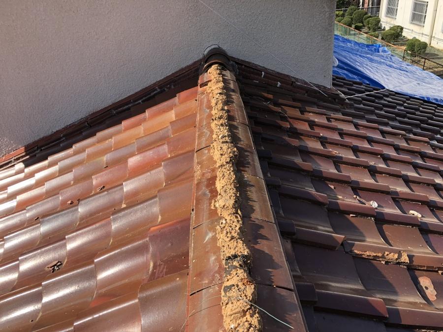 劣化した屋根の大棟