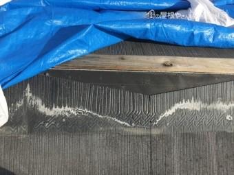台風で外れた棟板金部分