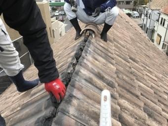 棟積み替え工事 葺き土の撤去