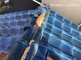 台風で倒壊した屋根瓦