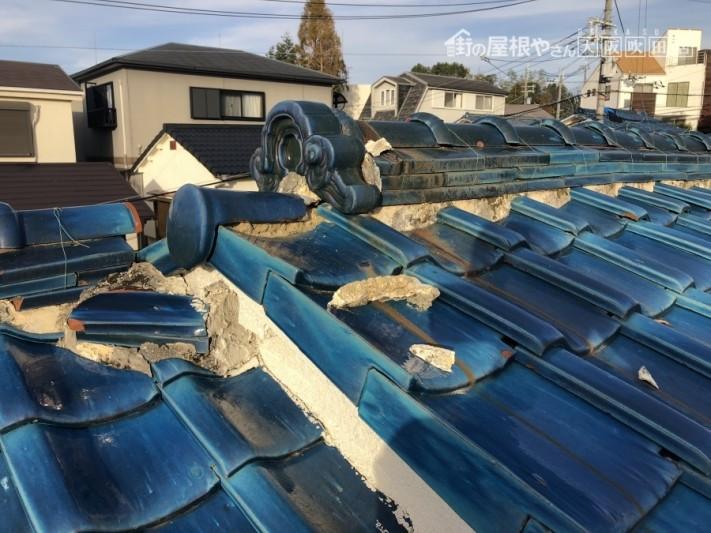 劣化した屋根漆喰