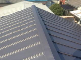 葺き替え直後のガルバリウム鋼板屋根
