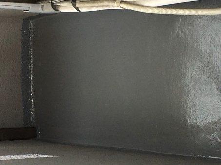 ベランダ防水工事 ウレタン中塗り完了