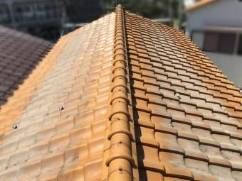 経年劣化した葺き替え前の瓦屋根