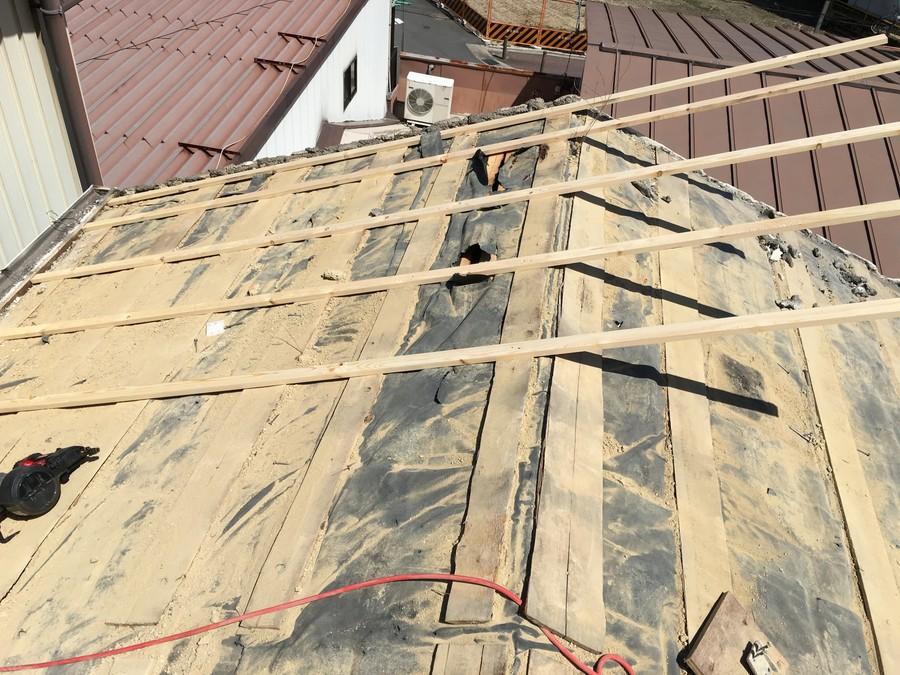 屋根下地の調整