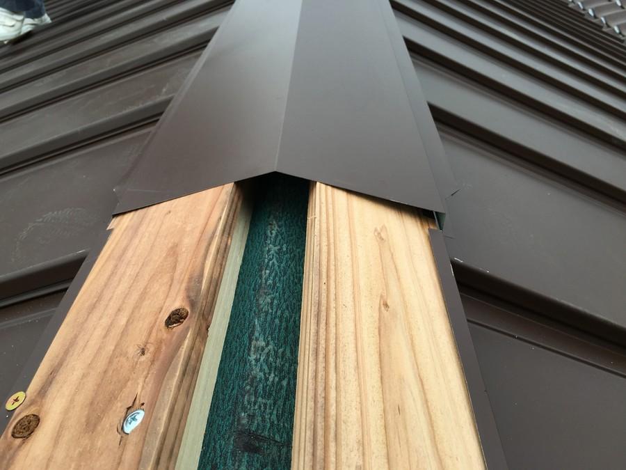 貫板と棟板金