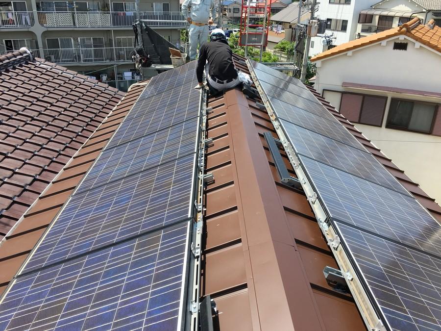 太陽光パネルを復旧
