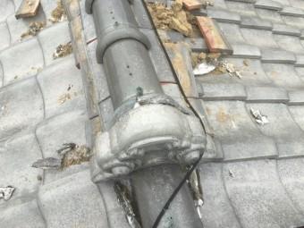台風で吹き飛ばされた大棟の瓦