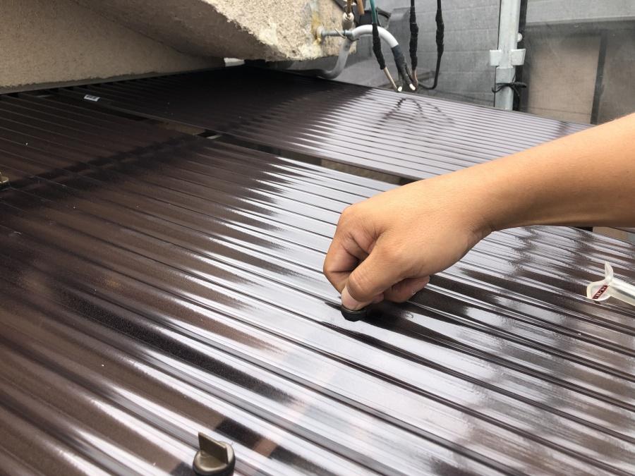 ベランダ屋根材としてポリカ波板を採用