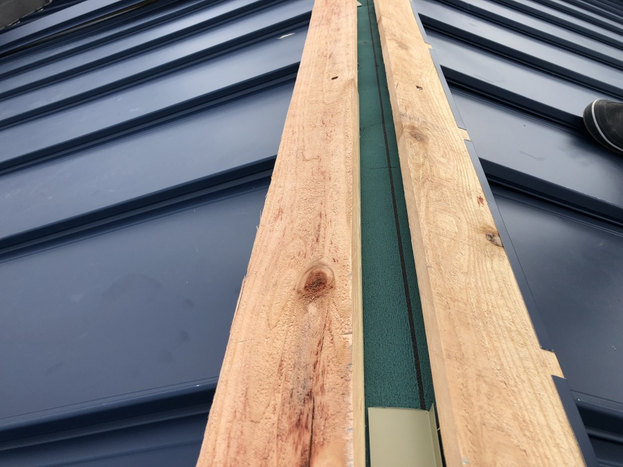 棟板金固定用貫板