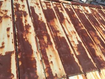 雨漏り調査 金属屋根劣化