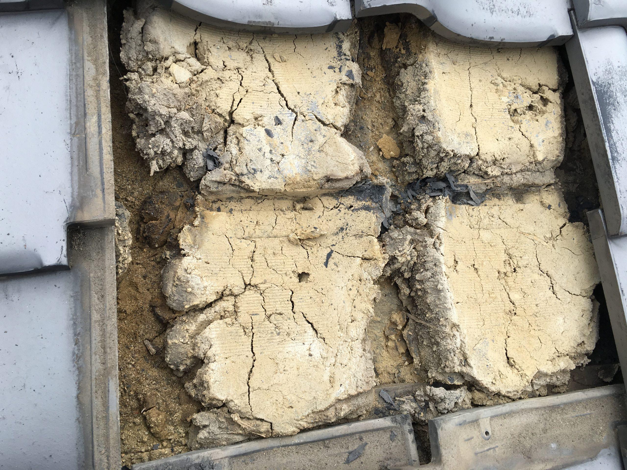 脆弱化した葺き土