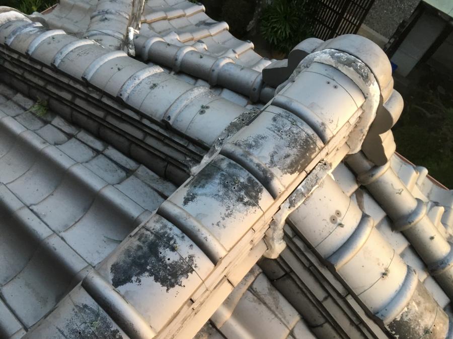 補修施工前の瓦屋根