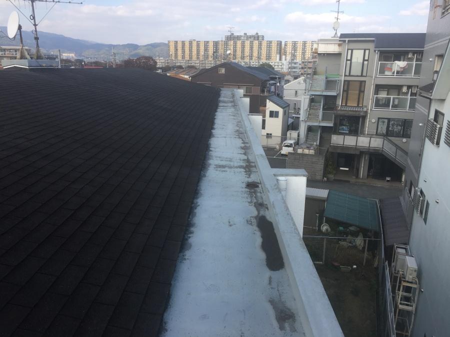 劣化した屋上防水塗装