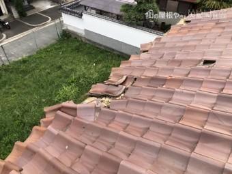 台風の被害を受けた屋根瓦