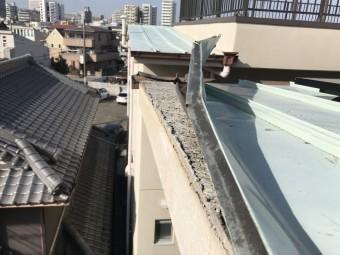劣化した金属屋根
