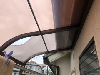 台風で破損したポリカ屋根